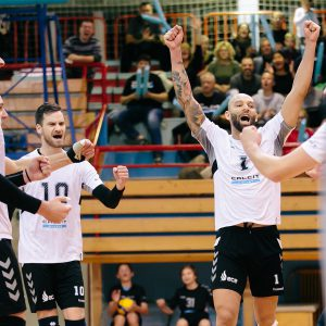 Calcit Volley clinch the top spot in the men's MEVZA League with win over Aich/Dob