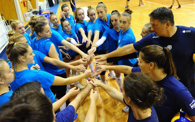 Young Slovenians aiming high at #EuroVolleyU17W in Podgorica
