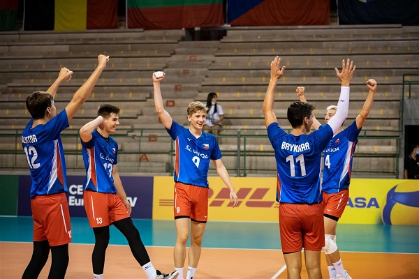 Czech Republic in the semifinals of  #EuroVolleyU18M after defeating Germany in straight sets