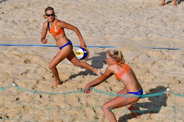 Ideal conditions for young guns on #EuroBeachVolleyU20 opening day