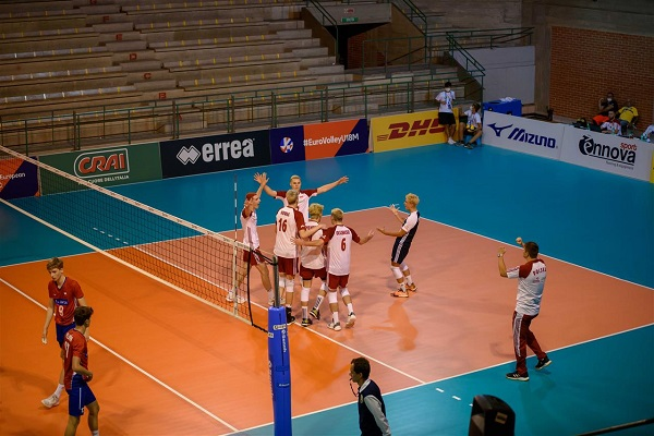 Czech Republic loses to Poland in the #EuroVolleyU18M opening match