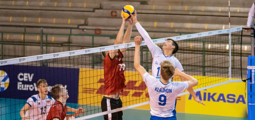 With a solid win, the Czech Republic remain in play for the #EuroVolleyU18M semifinals